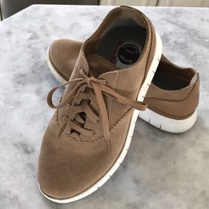 Vionic Taylor Lace Up Casual Shoe/Sneaker Size 6